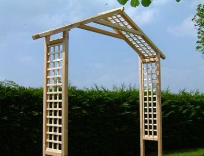 Charmant A Garden Arch Is A Perfect Way To Create A Stylish Focal Point In Your  Garden. But What Are The Best Climbing Plants To Decorate It With?