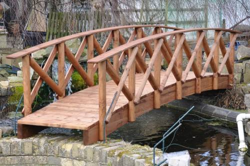 Rustic Low Rail Garden Bridge: 4ft Rustic LR