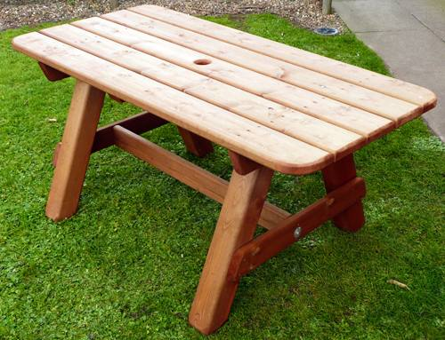 Heavy Garden Table: 4ft